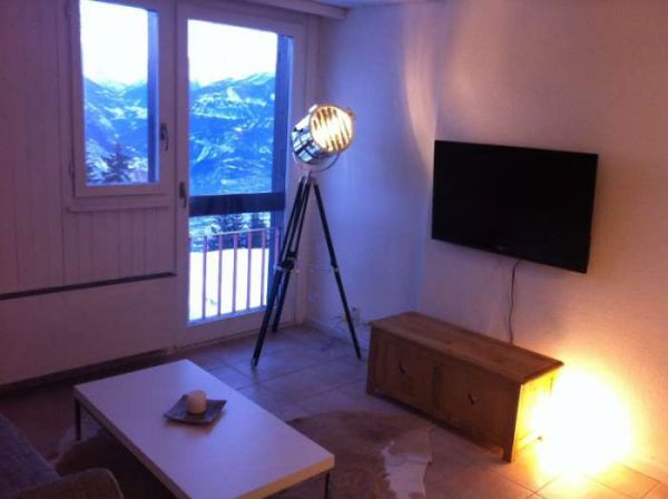 Studio 3022